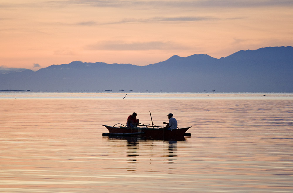 Travel - Fishermen at dawn in Ormoc